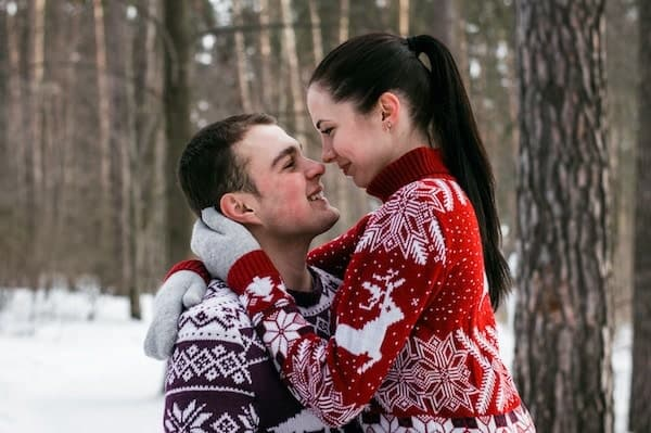 Christmas couple photo ideas for Christmas cards - TodayWeDate.com