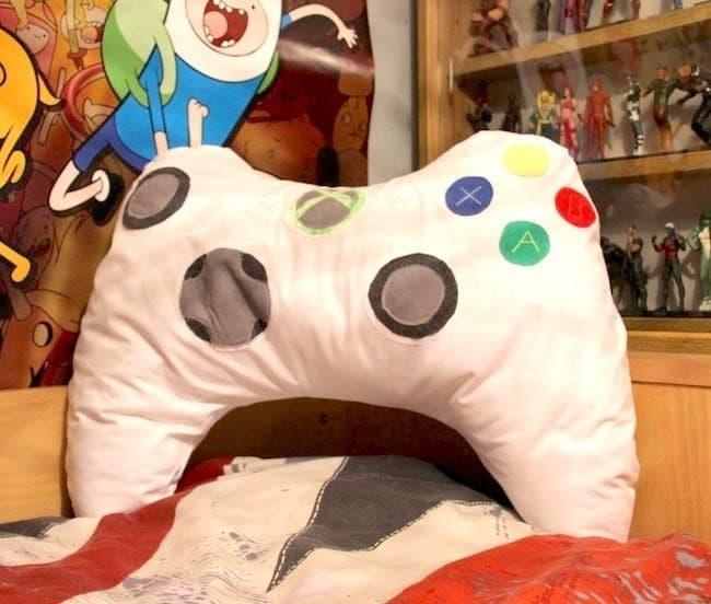 xbox controller pillow - handmade Valentine's day gift for boyfriend - todaywedate.com