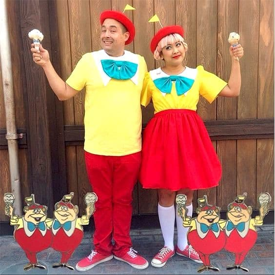 Adorable Disney couple costumes that are straight-up couple goals - todaywedate.com