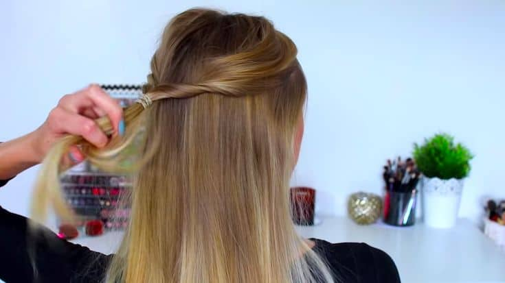 An-Elegant-no-braid-half-up-half-down-hairstyle​-2