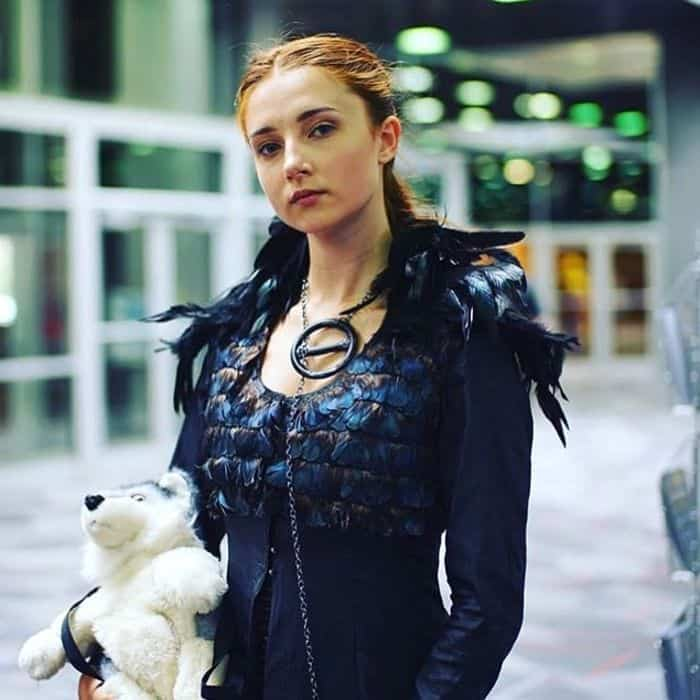 Game-Of-Thrones-Costume-Ideas-That-Every-Girl-Should-Copy-Now-TodayWeDate.com-3