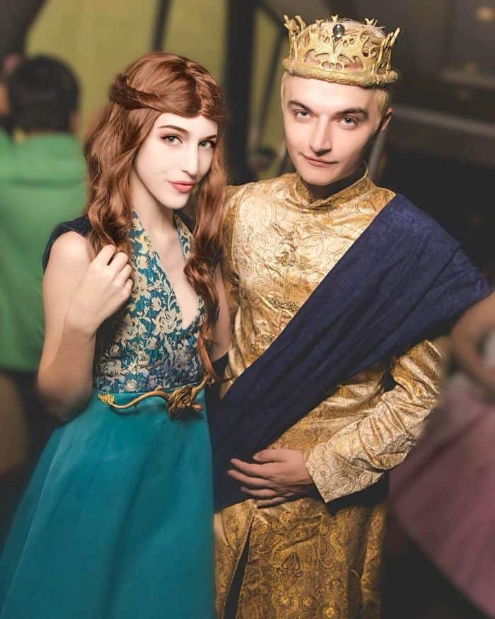 Game-Of-Thrones-Halloween-Costumes-For-Couples-TodayWeDate.com-3