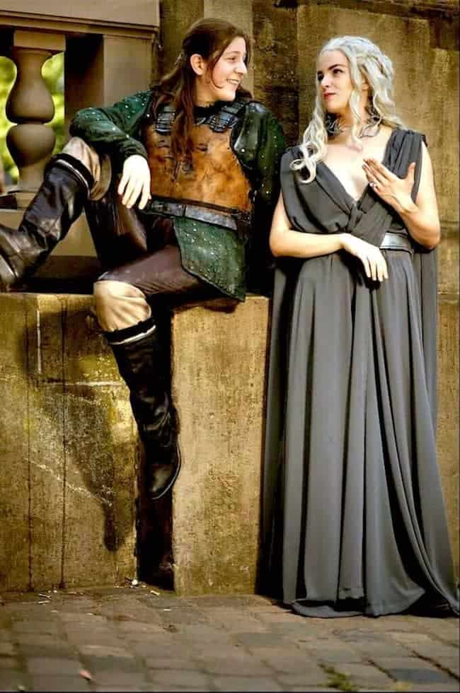 Game-Of-Thrones-Halloween-Costumes-For-Friends-TodayWeDate.com-2