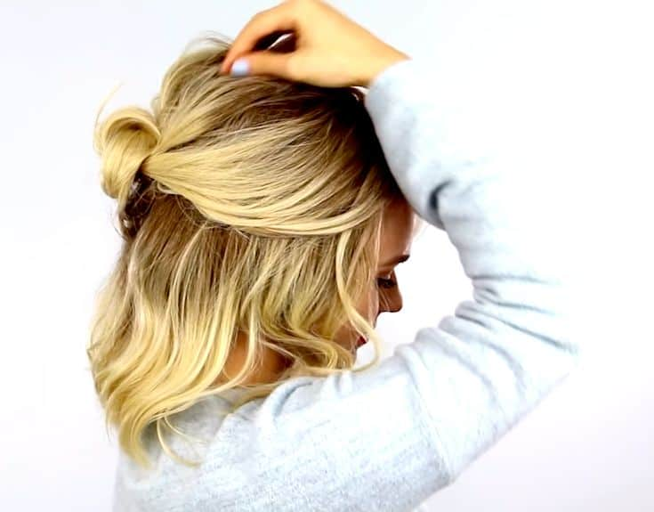 casual-summer-hairstyle-small-bun-half-updo​-5
