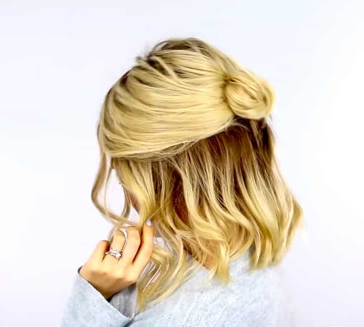 casual-summer-hairstyle-small-bun-half-updo​-7