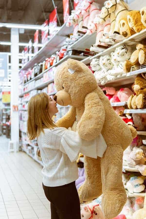 hugging-alternatives-for-long-distance-relationships-Todaywedate.com-2